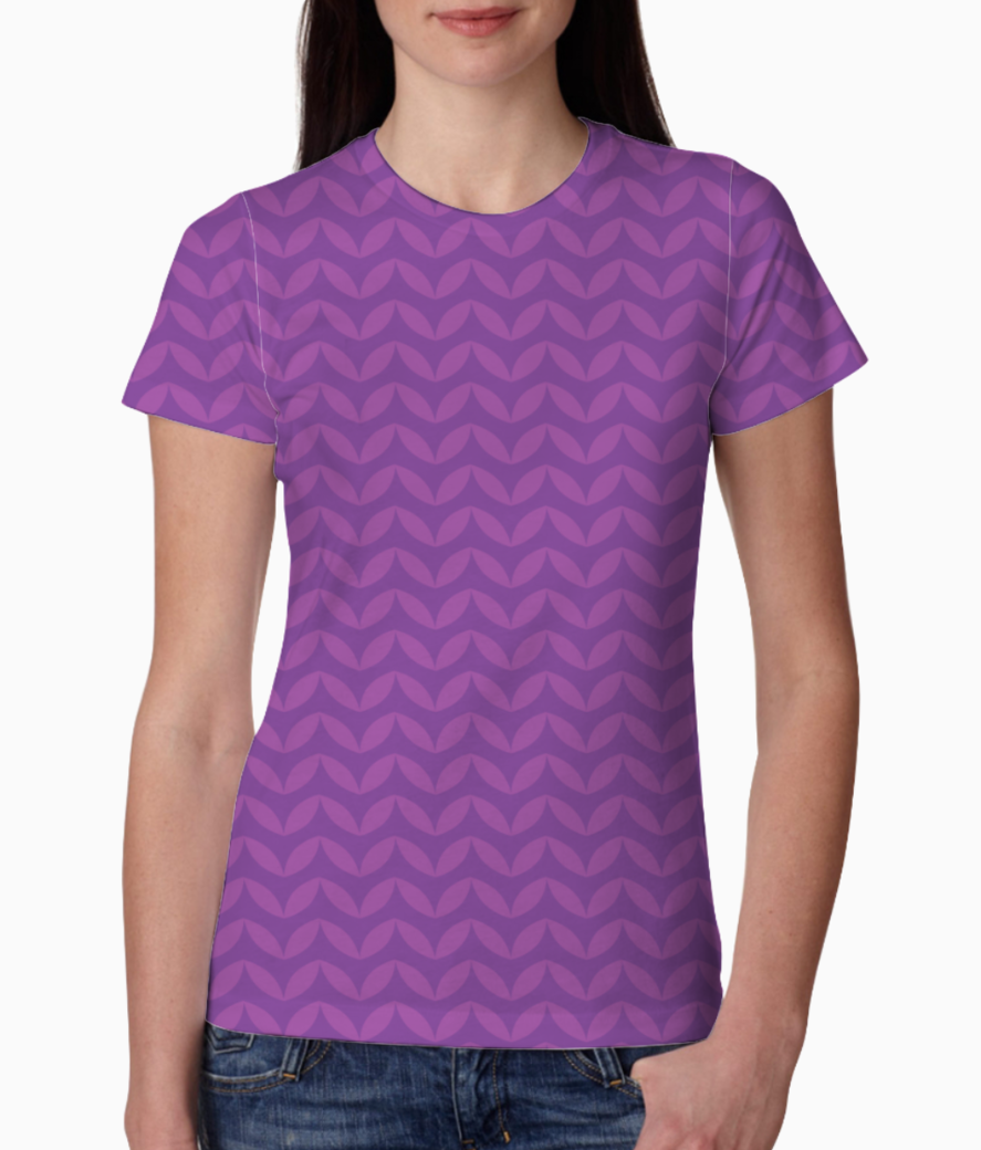 Wavy seamless pattern tee front
