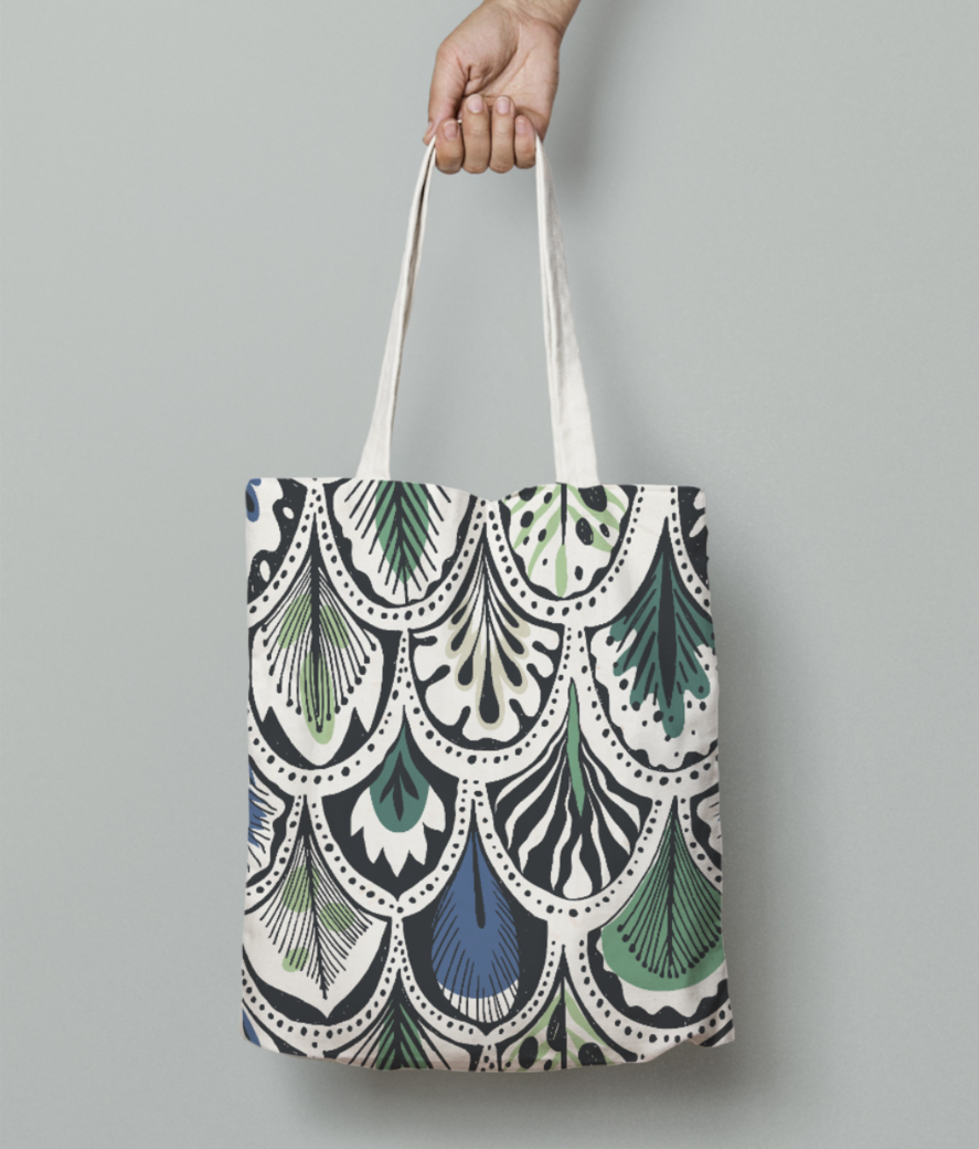 Feather pattern tote bag front